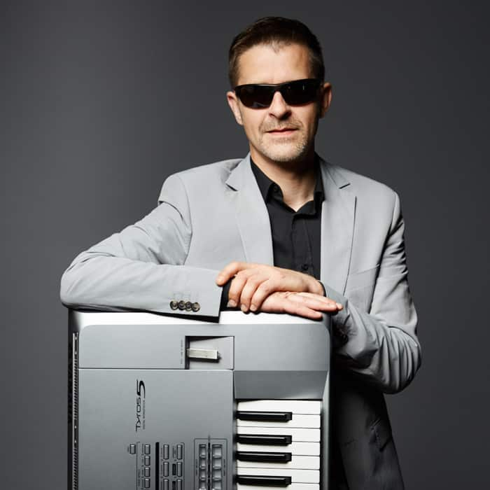 Chris (Keyboards) - Starcover Partyband